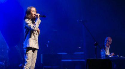 Ania Laskowska śpiewa